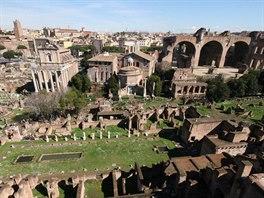I když má návštěvník Říma sebelepší fantazií, jen stěží si dokáže představit,...