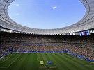 PLNÝ STADION. Tisíce fanoušků už jsou na svých místech a osmifinále mistrovství...