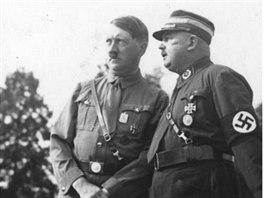 Adolf Hitler a Ernst Röhm v srpnu 1933.