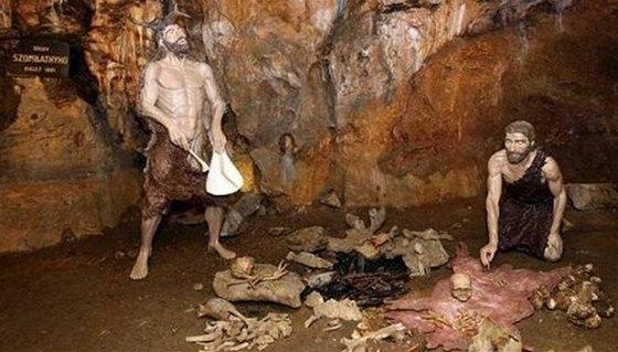 Mladečské jeskyně nabízí výpravnou expozici o Kromaňoncích.