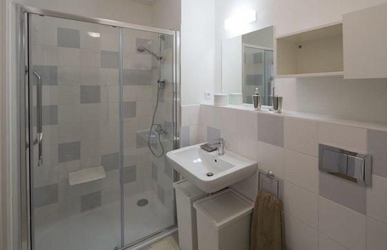 Rezidence RoSa - uk�zka ze vzorov�ho bytu 2+kk. Velk� sprchov� kout je vybaven�