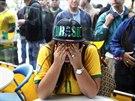 Truchlící brazilská fanynka v peruánské Limě (8. července 2014)
