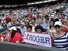 OBLÍBENEC. Švýcarský tenista Roger Federer je ve Wimbledonu hodně oblíbený,...
