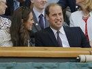 LÍBÍ SE TI TEN TENIS, MILÁČKU? Britský princ William sleduje středečním program...