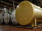 Nádrže na likvidaci chemických zbraní na palubě speciální americké lodi Cape Ray