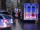 Dva cizinci se v Praze otrávili zplodinami z karmy.