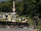 Při cestě ze Slavjansku se konvoj proruských separatistů dostal pod palbu