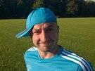 Snaha o originalitu při nasazování pokrývky hlavy se někdy nepěkně vymkne...