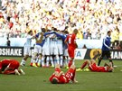 Zatímco argentinští fotbalisté slaví postup do čtvrtfinále mistrovství světa,...