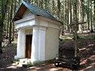 Kaple, jež je součástí křížové cesty, která se nyní stala památkou.