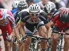 NĚMECKÝ BÝK. Marcel Kittel (v čele) zatím spurtům na Tour de France dominuje,...