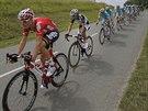Čelo pelotonu čtvrté etapy Tour de France. Na druhé pozici jede Čcheng Ťi,...
