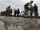 Lars Boom (vpravo) a Peter Sagan na trati páté etapy Tour de France