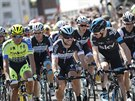(zleva) Alberto Contador, Mark Cavendish a Christopher Froome před startem 1....
