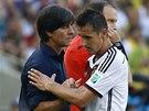 STŘÍDÁNÍ. Německý kouč Joachim Löw stáhl ze hry útočníka Miroslava Kloseho.