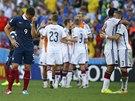 ZKLAMÁNÍ A EUFORIE. Němci jdou dál, Francouzi letí po čtvrtfinále domů.