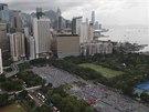 Desetitis�ce obyvatel Hong Kongu protestuj� v ulic�ch za demokracii a p��mou