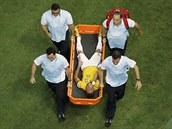 NA NOS�TK�CH. Pro Neymara skon�ilo �tvrtfin�le v nefotbalov� pozici. P�r minut...