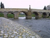 Svatojánský most v Litovli považovaný do roku 2014 za nejstarší dochovanou...