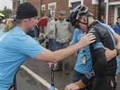 Chris Froome po p�du odstupuje z Tour de France.
