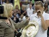 SLZY DOJETÍ. Petra Kvitová během televizního rozhovoru po vítězné finálové dvouhře na Wimbledonu neskrývala slzy.