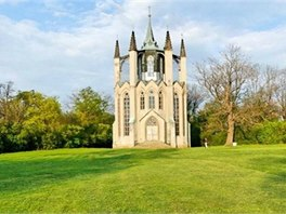 Zámecký park ukrývá řadu romantických staveb