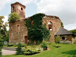 Z��cenina kostela v�polsk� ��sti Pelh�imov