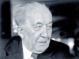 Literární historik Václav Černý na snímku z roku 1968