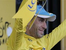 POPRV� VE �LUT�M. Italsk� cyklista Vincenzo Nibali se po v�t�zstv� ve druh�