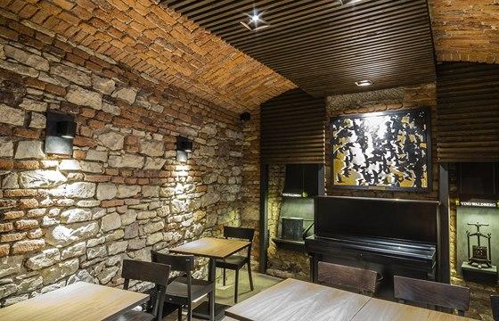 Architekt Špaček je také úspěšným malířem, a tak jako rozmarný a úsměvný podpis