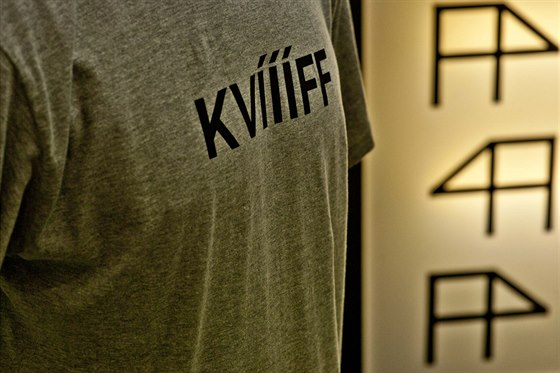 """Prasátko dokonce vydává i zvuky, a to pomocí nápisu """"KVÍÍÍFF"""" (Karlovy Vary..."""