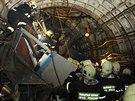 Moskevští hasiči na místě havárie metra (14. července 2014)