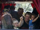 Z Doněcku odjíždějí autobusy plné žen a dětí (15. července 2014)