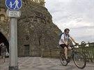 Cyklist� a chodci b�vaj� v t�sn�m kontaktu tak� pobl� Vy�ehradsk�ho tunelu