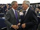 Jean-Claude Juncker při rozpravě s lídrem strany UKIP Nigelem Faragem (15....