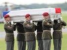 Do Česka dorazily ostatky čtyř padlých vojáků sloužících v Afghánistánu. (10....