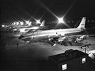 Nové letouny Boeing 707 a KC 135 v Rentonu.
