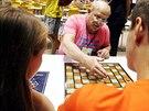 David Kotin ustanovil rekord v simultánce deskových her.