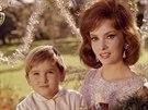 Gina Lollobrigida se synem Milkem v roce 1964