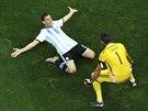 A JDEME DO FINÁLE. Postup Argentiny slaví Maxi Rodríguez, který rozhodl...