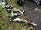 ROZBITÁ TRETRA. Alberto Contador po pádu v desáté etapě Tour de France sčítá