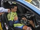 PALEC NAHORU, ALE... Alberto Contador po p�du v des�t� etap� Tour de France