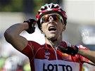 JÁ TO ZVLÁDL. Tony Gallopin se raduje z vítězství v jedenácté etapě Tour de...