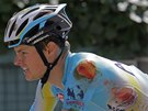 OŠKLIVĚ POMLÁCENÝ. Jakob Fuglsang se po pádu ve třinácté etapě Tour de France