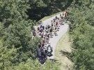 ZAČÍNAJÍ ALPSKÉ KOPCE. Cyklisté ve třinácté etapě Tour de France.