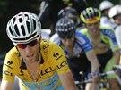 DO ÚTOKU. Vincenzo Nibali uniká ve třinácté etapě Tour de France dvojici