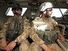 Čeští vojáci uvnitř obrněného vozidla na základně Bagrám v Afghánistánu