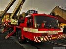 S požárem půdy v Lipníku nad Bečvou hasiči bojovali několik hodin. Škoda je 5...