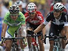 SEŠ DRUHEJ. Matteo Trentin (vpravo) vyhrál sedmou etapu Tour de France. A pak...