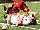 NIC PRO MĚKOTY. Fotbal nevidomých chvílemi víc připomíná hokej: často se o míč...